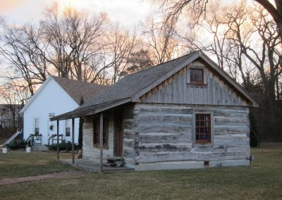 Dederman Schoolhouse & Cabin